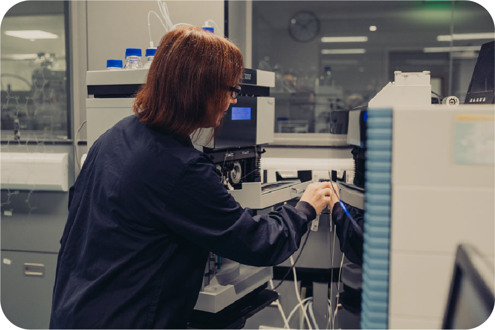 scientist setting up the lc/ms/ns mass spectrometer