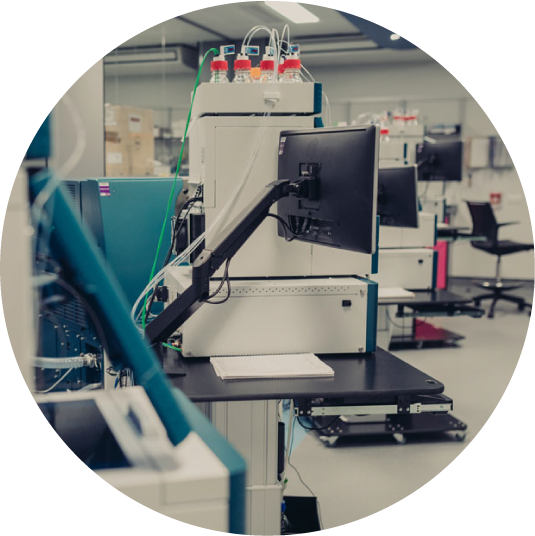 KScan bioinformatics and phosphoproteomics machine in the lab
